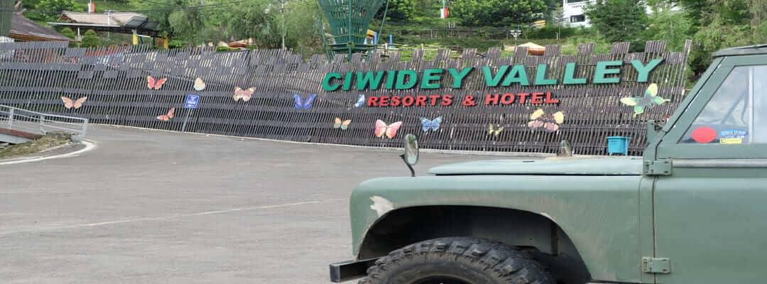 ciwidey valley hot spring water park