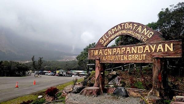 paket wisata gunung papandayan garut